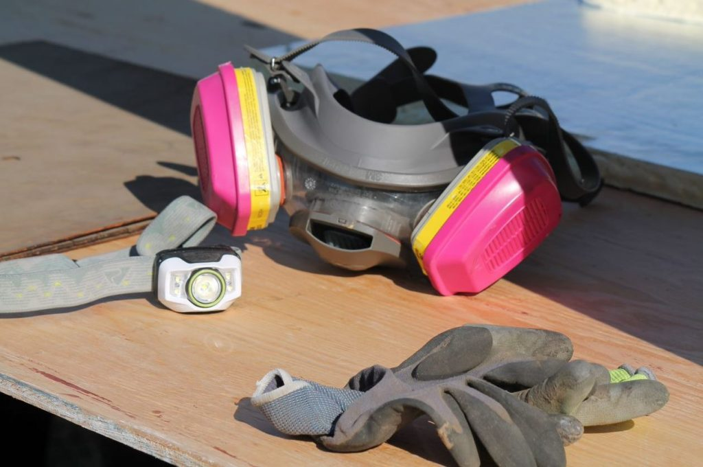 Installer's mask and gloves